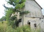 Vendesi rustico su due livelli da ristrutturare